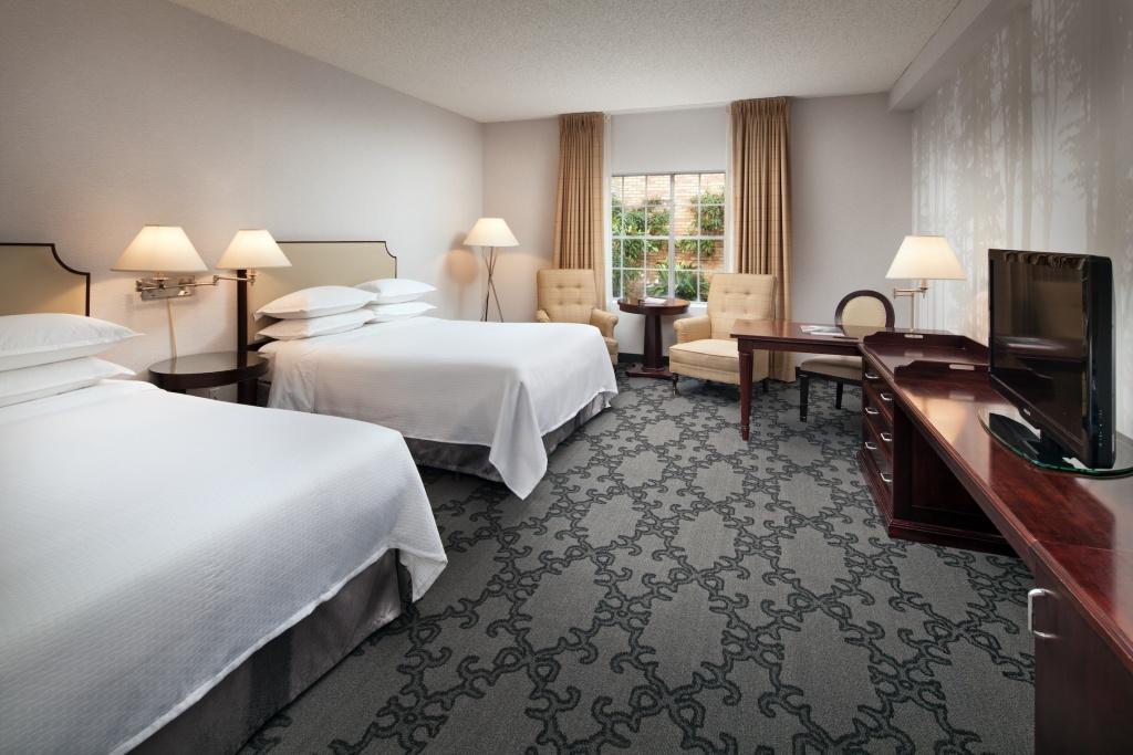 Standard Queen/Queen Room